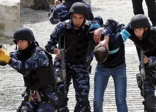 إصابة 3 من أفراد الأمن الفلسطيني أثناء تبادل إطلاق نيران مع مطلوبين في نابلس