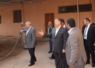 محافظ بني سويف يحيل رئيس قرية وطاقم طبي وإداري للتحقيق