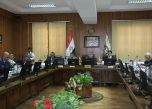 مجلس جامعة بني سويف يدين حادث اختطاف طائرة مصرية