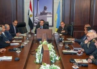 محافظ الإسكندرية يتابع أعمال صيانة وتجديد عدد من الميادين