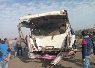 """إصابة 9 عمال في انقلاب سيارة ربع نقل على طريق """"قنا - سفاجا"""""""