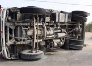 انقلاب سيارة نقل دون إصابات في سمالوط