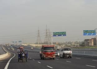 طريق «بنها الحر».. إمكانيات هائلة وخدمات متأخرة والسائقون يشكون: «الرسوم غالية علينا»