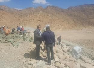 بالصور| مدير المياه الجوفية بجنوب سيناء يتابع الأعمال بسد أسلاف