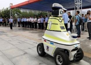 """شرطي مرور """"روبوت"""" في الصين"""