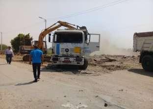 رئيس مركز أبوقرقاص بالمنيا يتابع استكمال رصف طريق قرى الغروب