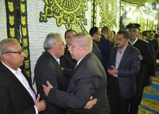 محافظ الإسماعيلية ومدير الأمن يقدمان واجب العزاء لأسرة شهيد سيناء