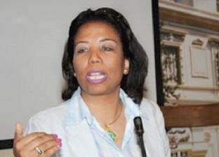 رئيس مركز قضايا المرأة: نقل الحضانة للأب بعد الأم ضرورة