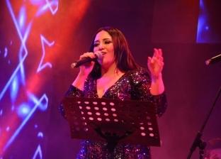 الفنانة ميرفت وجدي تحيي حفلا غنائيا في ساقية الصاوي