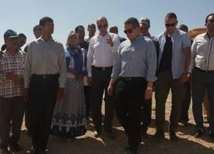 """""""وزير الآثار"""" يقرر وقف قرارات الإزالة لأهالي قرية القصر الإسلامية"""