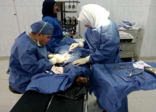 إجراء 14 عملية جراحية مجانية ضمن قافلة طبية بمنيا القمح