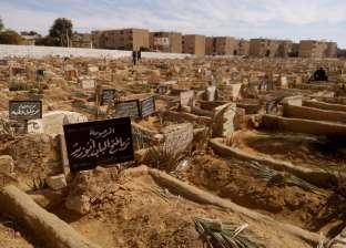 """بـ""""عتلة وتوكتوك"""".. تفاصيل سقوط عصابة سرقة أبواب المقابر بالخليفة"""