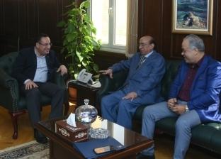 قنصوة وأشرف زكي يبحثان مشكلات أكاديمية الفنون بالإسكندرية
