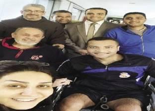 وفاء عامر تزور مصابى حادث سيناء: شباب زى الورد