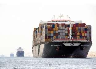 رغم الشبورة المائية.. دخول وخروج 16 سفينة في موانئ بورسعيد