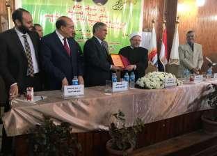 مفتي الجمهورية: الإرهابيون قتلوا المسلمين والمسيحيين وهم يصلون