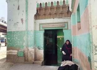 «أبوالريش» فى حماية «عزيزة» وشقيقتيها: حراسة بالوراثة