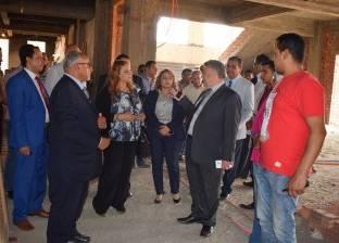 لجنة الدراسات السياحية تتفقد المنشآت الجديدة بجامعة بنها