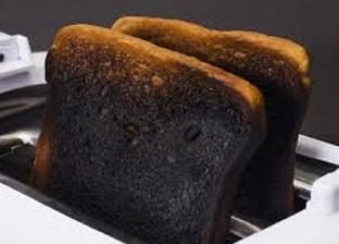 دراسة أمريكية: الخبز المحترق يلوث الهواء أكثر من الأدخنة والعوادم