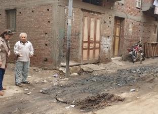 بالصور| نائبة تتدخل لحل مشكلة صرف صحي بجوار مسجد في البصارطة