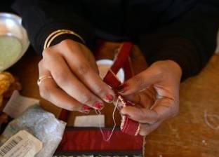«حنان» مسئولة التدريب: هدفنا توفير فرص عمل للسيدات والفتيات البدويات