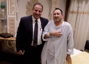 محافظ الإسكندرية يزور نائب رئيس مجلس الدولة عقب إجرائه جراحة عاجلة