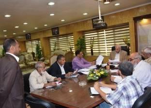 محافظ أسوان يعقد مقابلات شخصية للمتقدمين لرؤساء مجلس قروي