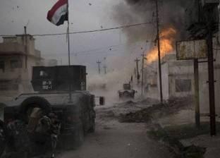 هاربون من معارك قوات النظام والجهاديين في شمال سوريا يحتمون تحت أشجار الزيتون