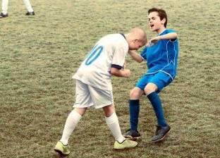 بالصور| أطفال بريطانيون يجسدون أشهر المواقف في ملاعب كرة القدم