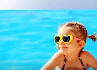 كيفية حماية طفلك من أشعة الشمس الحارقة في فصل الصيف