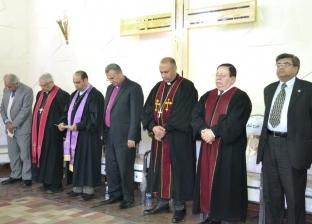 بالصور| محافظ الإسماعيلية يشهد حفل تنصيب راعي الكنيسة الإنجيلية