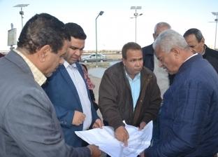 """صقر يؤكد سرعة الانتهاء من رصف طريق """"السويس- القاهرة"""""""