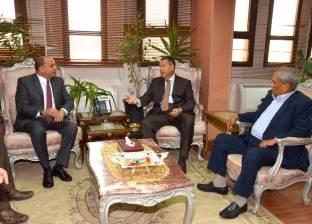 بالصور| رئيس جامعة بني سويف يهنئ المحافظ بمنصبه الجديد