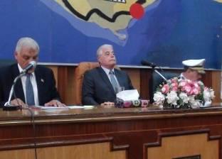 """محافظ جنوب سيناء: شراء """"أطواق ضوئية"""" لوضعها على عنق الإبل"""