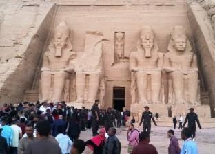 الغرف السياحية تطالب السيسي بغلق الاستيراد من الخارج لمدة عام