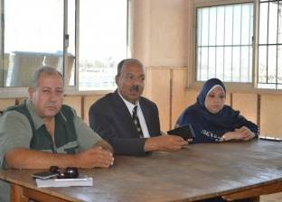 بالصور| رئيس مدينة مطوبس يناقش حلول سد العجز في المدارس