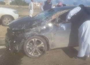 """إصابة 5 بينهم 3 أطفال إثر انقلاب سيارة على طريق """"العلمين - القاهرة"""""""