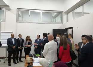 وزير التعليم العالي يتفقد مراكز التطوير المهني في جامعة الزقازيق