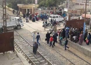 مساعد شرطة يسقط أسفل قطار أثناء مطاردته سارق تليفونات بالإسكندرية
