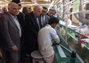 محافظ جنوب سيناء يتفقد مصنع لمبات الليد بمدرسة أبوزنيمة الصناعية