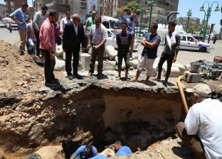 الهجان يتفقد أعمال الرصف ورفع كفاءة شوارع قنا