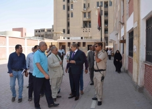 """محافظ المنيا يوافق على قبول 118 طالبا بمدرسة """"زهرة"""" التجارية"""