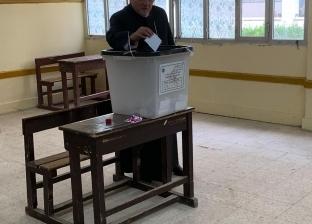 وصول القضاة إلى لجان أسوان في ثالث أيام الاستفتاء على تعديل الدستور