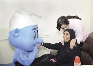 «سنفور» فى مستشفى لعلاج السرطان بالأقصر: «يوم ضحك فيه المرضى»