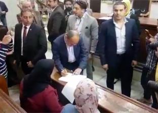 وزيرالتجارة والصناعة أول الحاضرين للإدلاء بصوته في التعديلات الدستورية