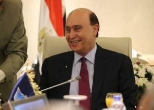 """السيسي يمد خدمة مهاب مميش رئيسا لـ""""قناة السويس"""" لمدة عام"""