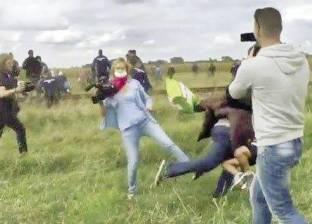 مصورة مجرية «شنكلت» مهاجراً أثناء هروبه.. طردوها