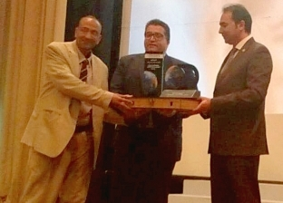 نائب الوزير يكرم وكيل وزارة التربية والتعليم بجنوب سيناء