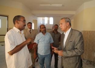 """""""الهجان"""" يتفقد عددا من المشروعات الخدمية بمدينة قنا الجديدة"""