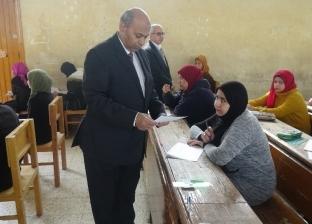 """رئيس جامعة المنيا يتفقد لجان امتحانات """"الفنون الجميلة"""" و""""دار العلوم"""""""